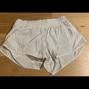 lululemon athletica hotty hot shorts ii 2.5in